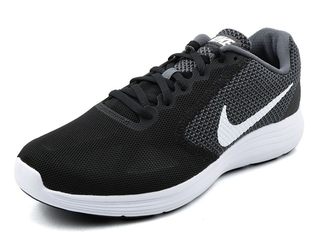 Best Nike Running Shoes-Nike Revolution 3