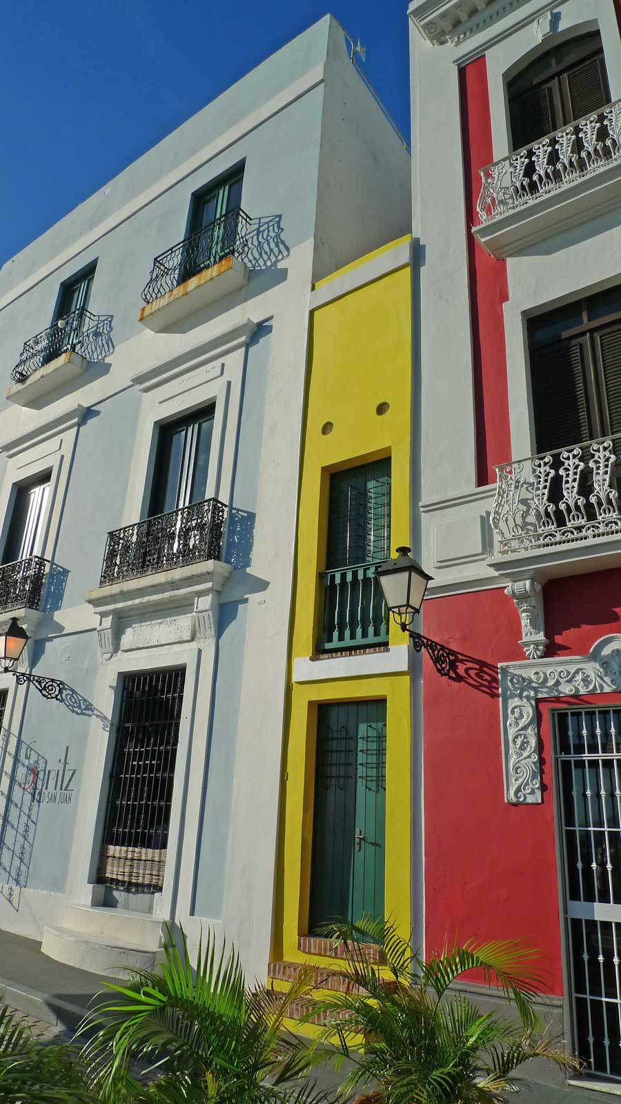 7. World's Smallest House - Things to do in San Juan Puerto Rico 1