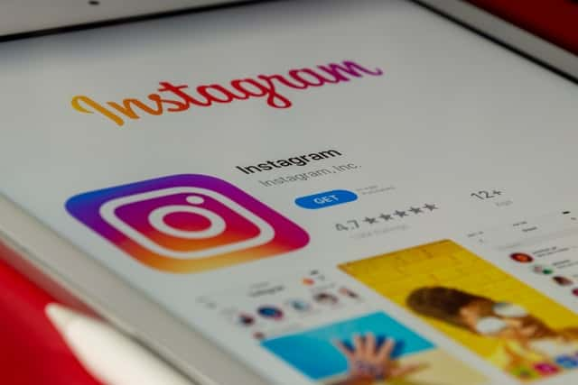 How_Many_people_use_instagram